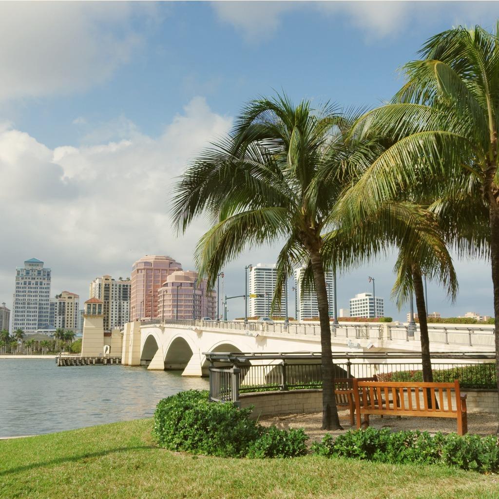 photo of palm beach skyline